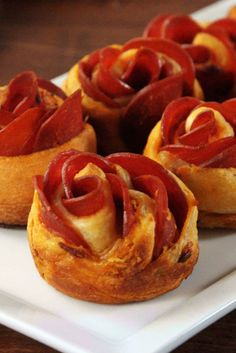 70 Amazing Things To Do With Crescent Rolls Easy Crescent Roll Recipes – Best Things to Make with Crescent. Baby Shower Appetizers, Finger Food Appetizers, Appetizer Recipes, Cresent Roll Appetizers, Appetizer Party, Finger Foods, Mini Appetizers, Healthy Appetizers, Pizza Rosen