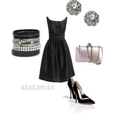 Chicas:  Muchas veces tenemos por ahí un vestido negro o tal vez unos cuantos. Aquí les muestro como se puede agregar un par de accesorios ...