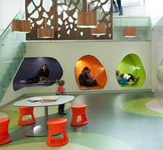When the Central Library in Madison, Wisconsin underwent a major renovation a few years ago, Meyer, Scherer & Rockcastle Architecture included these reading caves in their design for the renewed … Kids Library, Library Design, Class Design, School Design, Micro Creche, Turquoise Kitchen Decor, Kids Cafe, Daycare Rooms, Library Inspiration