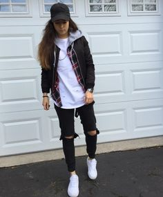Tomboy look, tomboy chic, cute tomboy style, tomboy girl, tomboy swag Cute Tomboy Style, Cute Tomboy Outfits, Tomboy Chic, Style Outfits, Tomboy Fashion, Look Fashion, Skater Girl Outfits, Trendy Outfits, Swag Outfits
