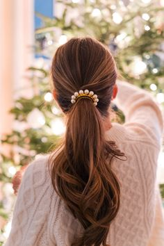Holiday Pearl Details - Gal Meets Glam - One Pigtail Hairstyles, Headband Hairstyles, Braided Hairstyles, Glam Hairstyles, Holiday Hairstyles, Hair Scarf Styles, Curly Hair Styles, Hair Accessories For Women, Bridal Accessories