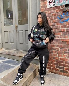 Chill Outfits, Cute Outfits, Babies R, Fashion Killa, Streetwear Fashion, Personal Style, Leather Pants, Street Wear, Bomber Jacket