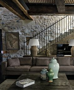 New Rustic Stairs Railing Brick Walls Ideas Room Interior, Interior Design Living Room, Interior And Exterior, Living Room Decor, Interior Decorating, Style At Home, Rustic Stairs, Cozy Living Spaces, Lounge Decor