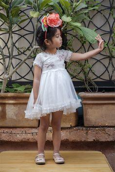 Βαπτιστικό φόρεμα Bambolino για κοριτσάκι, annassecret, Χειροποιητες μπομπονιερες γαμου, Χειροποιητες μπομπονιερες βαπτισης Girls Dresses, Flower Girl Dresses, Wedding Dresses, Flowers, Fashion, Dresses Of Girls, Bride Dresses, Moda, Bridal Gowns