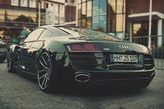 the r8.. stunning photo! look at those rims!