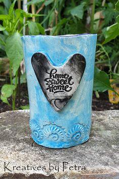 kleine Trinktasse aus Keramik...für Tee oder Kaffee...von kreativesbypetra   #Keramik #ceramik #ton #töpfern #töpferei #DIY #handmade #handgefertigt #Handwerk #kunstwerk #Unikat #geschenk #present #pottery #schale #räucherschale #räucherkegel #Glasur #glaze #glasurbrand #Esoterik #spirituell #Spiritualität #duft #düfte #botz #plattentechnik #tee #tea #kaffee #coffee #cup #trinkbecher #teaase #love #heart #homesweethome Petra, Enamel, Accessories, Mandalas, Spiritual, Mosaics, Clay, Artworks, Kaffee