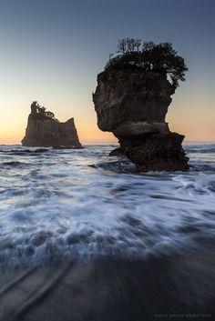 bryankonietzkophotography:  Giant's Head Sea Stack // West...