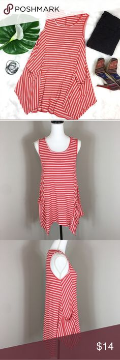 Hailey & Co Striped Pocket Swing Tunic Tank Hailey & Co Striped Pocket Swing Tunic Tank. Size medium. Approximate measurements flat laid are 28' short length, 33' long length, 16 1/2' bust. Pre-owned condition with basic wear and no major flaws.  ❌I do not Trade 🙅🏻 Or model💲 Posh Transactions ONLY Hailey & Co Tops Tank Tops