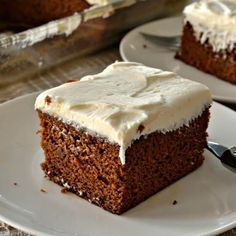 This Gingerbread Cake with Cream Cheese Frosting is the perfect holiday dessert. It will remind you the time-honored gingerbread cake that grandma made. Holiday Cakes, Christmas Desserts, Christmas Baking, Christmas Ideas, Holiday Treats, Holiday Recipes, Winter Desserts, Christmas Brunch, Christmas Cakes