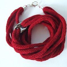 Collana da donna in lana, tonalità rosso scuro
