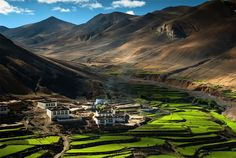 Village in the Himalayas, Tibet - The 30 Most Beautiful Small Towns In The World Shimla, Places To Travel, Places To See, Places Around The World, Around The Worlds, Village Photos, Riomaggiore, Beaux Villages, World Photo