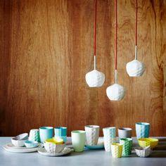 3D Printer Porcelain Dishes & Lighting From HGTV's Design Happens Blog (http://blog.hgtv.com/design/2013/05/30/daily-delight-3d-printer-porcelain-dishes-lighting/?soc=pinterest)