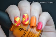 Bright braid mani