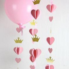 Heart Crown Garland // Princess Party // Decor // Balloon Tail // Baby Shower… - New Deko Sites Princess Party Decorations, Heart Decorations, Baby Shower Deco, Baby Shower Favors, Gold Baby Showers, Baby Shower Princess, Princess Birthday, Princess Theme, Princess Diana