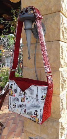 Sac Mambo en simili comodo rouge et imprimé cousu par L'Atelier de Mamy - Patron Sacôtin