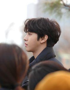 Behind-the-scenes of drama 'Abyss' with Ahn Hyo Seop! Korean Star, Korean Men, Drama Korea, Korean Drama, Jong Hyuk, Romantic Doctor, Ahn Hyo Seop, K Drama, Nam Joohyuk