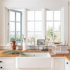 Schoolhouse Living: Inside the Hood River Home of Our Spring Catalog Kitchen Buffet, Modern Kitchen Cabinets, Kitchen And Bath, Kitchen Decor, Kitchen Ideas, Kitchen Inspiration, Kitchen Tips, Diy Kitchen, Kitchen Interior