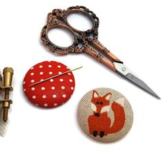 Fox Needle Minder-Reversible Needleminder-Animal-Magnetic-Cross Stitch-Embroidery-Quilting-Sewing-Needlepoint-Woodland- Craft Supply Since I am a maker I have lost many a needles in my house only to later have them sticking out of my couch poking me in my butt. It was not pleasant. So I Cow Logo, Needle Minders, Pretty Designs, Online Gifts, Go Shopping, Cross Stitch Embroidery, Needlepoint, Craft Supplies, Etsy Seller