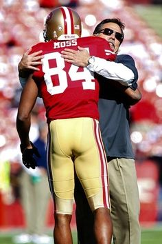 Randy Moss, SF 49ers - Randy Moss was & sorta still is, my favorite player though he's done for now.  Great to see him in a Niners uniform, if only, like Prime Time, for one season.