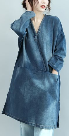 baggy denim blue natural cotton dress plus size linen maxi dress 2018 V neck long sleeve cotton clothing dressesMost of our dresses are made of cotton linen fabric, soft and breathy. loose dresses to make you comfortable all the time. Denim Maxi Dress, Jeans Dress, Dress Outfits, Fashion Outfits, Fashion Women, Baggy, Mode Plus, Dress Plus Size, Denim Ideas