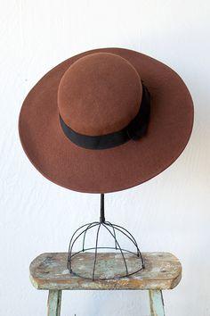 vintage 1970s hat | wide brim hat | La Coupole Hat