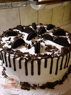 Oreo torta Sheet Cake Recipes, Cake Decorating Videos, Oreos, Easy Desserts, Fondant, Food And Drink, Ice Cream, Sweets, Snacks