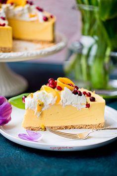 Sernik na zimno z mango | Moje Wypieki Other Recipes, Sweet Recipes, Snack Recipes, Dessert Recipes, Mango Cheesecake, Cheesecake Recipes, Sweet Bakery, Love Food, Food To Make