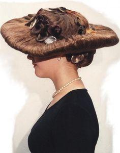 #woman #hat #art #hair #hairdresser #hairstylist #fashion #hairdo #classic #modern #makeup #makeupartist #beauty #weddings #lespaques