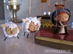 Christmas Nativity Scene, Christmas Ornament Crafts, Christmas Crafts For Kids, Holiday Crafts, Christmas Decorations, Wine Cork Ornaments, Wine Cork Crafts, Cardboard Tube Crafts, Diy Adornos