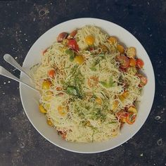 Summer Garden Pasta from Barefoot Contessa. Combine the cherry tomatoes, ½ cup olive oil, garlic, basil leaves, red pepper flakes, 1 teaspoon salt, and the…