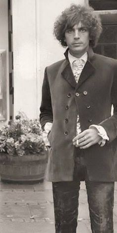 Syd Barrett in ruffles and a beautiful jacket, 1967