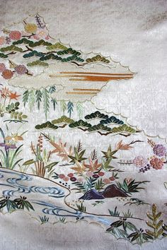 The Japanese embroidery is a brilliant piece of art creation spanning centuries old and is used to decorate ceremonial garments like on Japanese kimonos and other decorative items. Chinese Embroidery, Learn Embroidery, Machine Embroidery Patterns, Embroidery Art, Embroidery Designs, Embroidery Stitches, Chinese Patterns, Japanese Patterns, Japanese Art