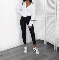Adultish Shirt Ideas of Adultish Shirt - Adultish Shirt - Trending Adultish Shirt for sales. - Adultish Shirt Ideas of Adultish Shirt Uni Outfits, Winter Outfits For Work, Mode Outfits, College Outfits, Spring Outfits, Trendy Outfits, Autumn Outfits, Black Outfits, Winter Clothes