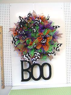 Halloween Ruffle Wreath Tutorial using Deco Poly Mesh, Pencil Ball Wreath, RAZ Vulture, BOO Halloween Size, Chevron Ribbon