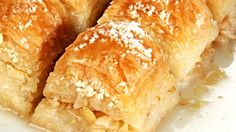 Μπακλαβάς με Γάλα (Sϋtlϋ baklava) Cornbread, Dairy, Cheese, Ethnic Recipes, Food, Phyllo Dough, Mille Feuille, Millet Bread, Essen
