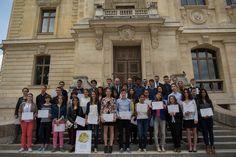 Les lauréats récompensés avec les différents partenaires des Olympiades de Géosciences - Photo SAAMD2