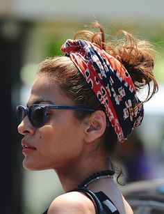 Eva Mendes - One of my favorite celebs.  Such an effortlessly beautiful woman and I love this laid back style! :)