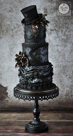 Sweetlake Kuchen Sweetlake Kuchen The post Sweetlake Kuchen appeared first on Halloween Cake. Gothic Wedding Cake, Gothic Cake, Black Wedding Cakes, Wedding Cakes With Cupcakes, Cupcake Cakes, Elegant Wedding, Rustic Wedding, Steampunk Wedding Cake, Cake Wedding