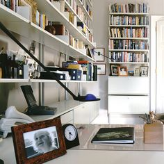 Beautiful shelving system designed by Dieter Rams. Timeless. You can buy this from Vitsoe today.