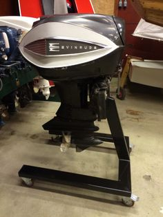 Evinrude 75hp Vintage Motor #motorboatingsmall Outboard Motor Stand, Outboard Motors, Classic Boat, Classic Cars, Penn Yan Boat, Lyman Boats, Kayak Storage, Vintage Boats, Old Boats