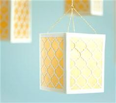 Create a very elegant atmosphere with these lanterns in different sizes!