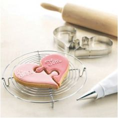 This jigsaw heart cutter creates cute cookies that can be personalised for weddings, engagements,  anniversaries and more!