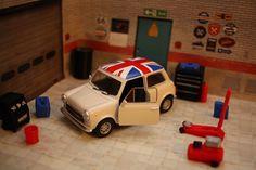 Mini Cooper 1300 Diecast Model1:36+Garage Diorama Workshop Accessory mayfit 1:24