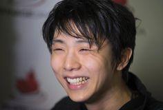 フィギュアスケート男子フリー 演技後、メディアに笑顔で対応する羽生結弦 =モントリオール(ロイター)