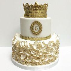 Birthday cake for a princess. #deliciousarts #cakebydeliciousarts #custom…