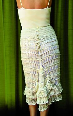 hairpin lace bustle