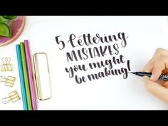 video tips: Beginner Brush Lettering . 5 Handlettering Mistakes You Might Be Making. Fake Calligraphy, Calligraphy Worksheet, Hand Lettering For Beginners, Calligraphy For Beginners, Journal D'art, Tombow Dual Brush Pen, Improve Your Handwriting, Lettering Tutorial, Calligraphy Tutorial