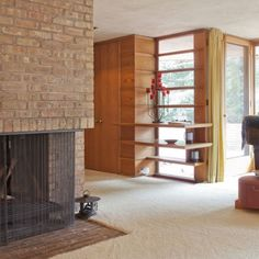 Charming Home Design, Charming House Design by Frank Lloyd Wright in Illinois: calm and cozy home interior decor ideas ~ wooden home design, classic house, Charming Home Design Casas De Frank Lloyd Wright, Frank Lloyd Wright Style, Home Interior Design, Interior Architecture, Wisconsin, Lake Michigan, Usonian House, Charming House, Villa