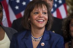 Robin Kelly Robin Kelly is an accomplished force to be reckoned with in Illinois state politics and ran for the role of State Treasurer. Robin was the first African American woman to serve as the head of staff of a constitutional officer.