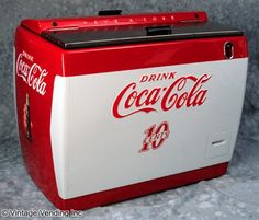 Google Image Result for http://www.vintagevending.com/wp-content/uploads/2009/03/westinghouse-wd12-soda-machine.jpg